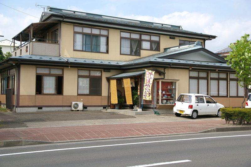 http://town-murata.com/2010/09/02/images/makotozushi1.jpg