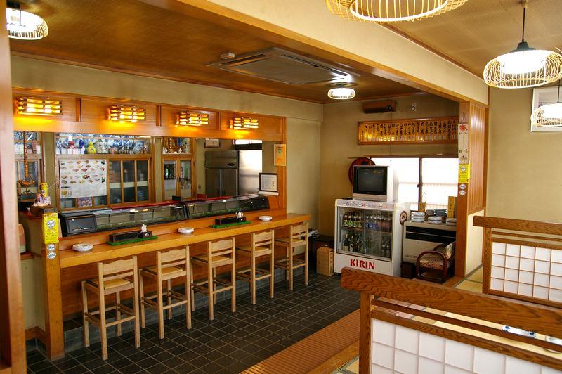 http://town-murata.com/2010/09/02/images/makotozushi2.jpg