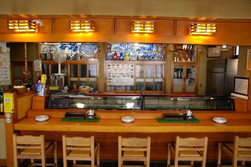 http://town-murata.com/2010/09/02/images/makotozushi4.jpg